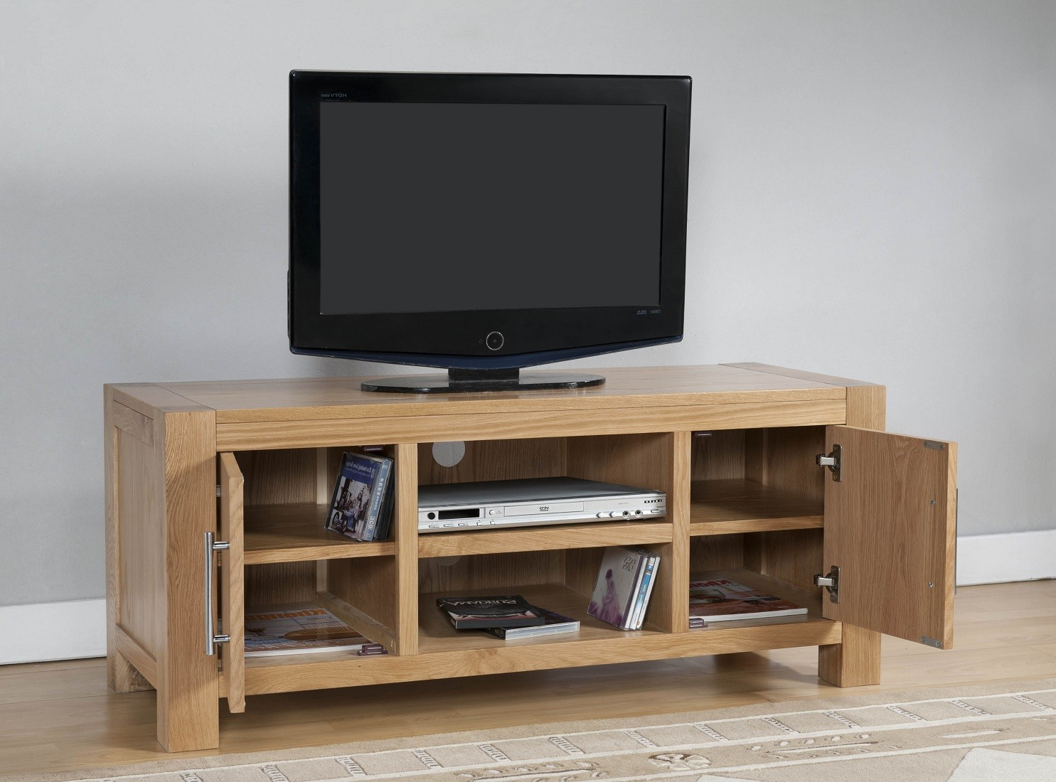 Oak Furniture Uk Throughout Contemporary Oak Tv Cabinets (Gallery 1 of 20)