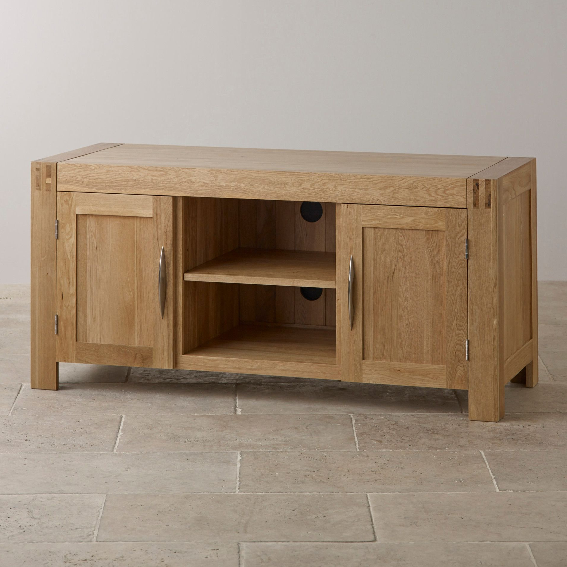 Oak Tv Cabinets For Widely Used Alto Natural Solid Oak Large Tv Cabinet (View 9 of 20)