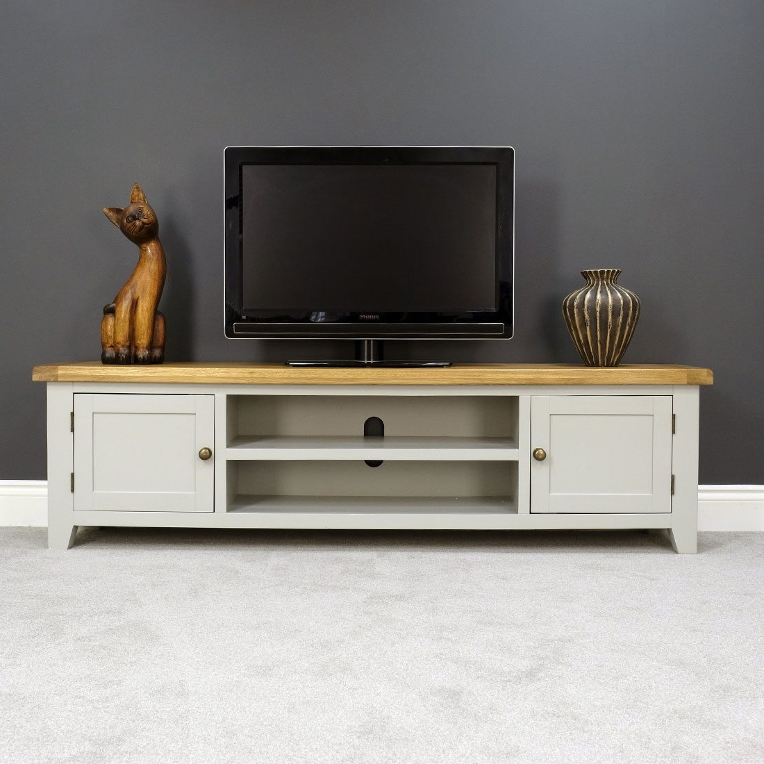 Painted Tv Stands Pertaining To 2017 Arklow Painted Oak Extra Large Tv Stand / Grey Solid Tv Dvd Cabinet (View 14 of 20)