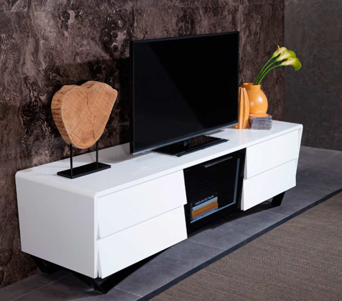 Popular White High Gloss Tv Stand Vg 102 (Gallery 12 of 20)