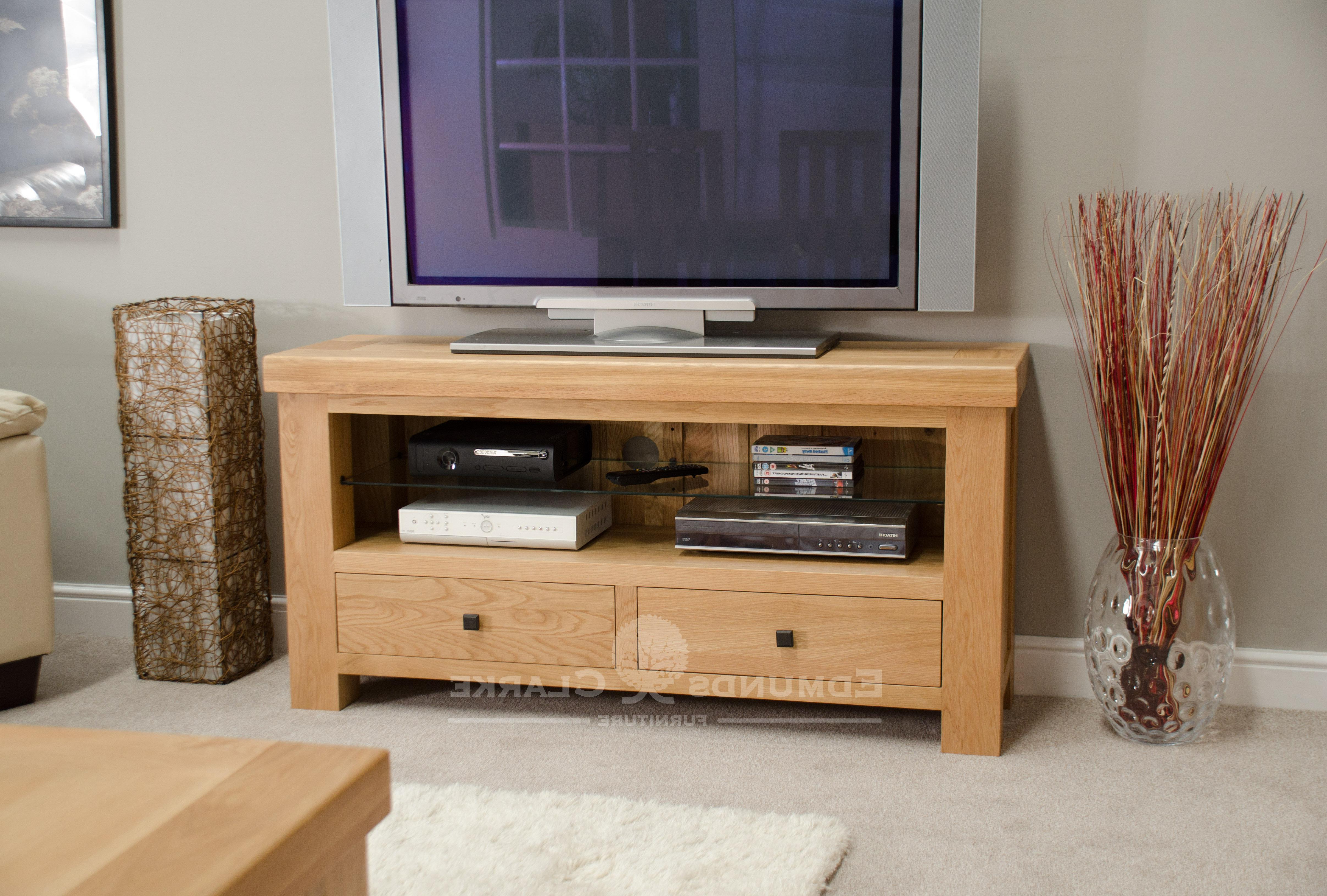 Preferred Hadleigh Solid Oak Chunky Tv Unit (Gallery 17 of 20)
