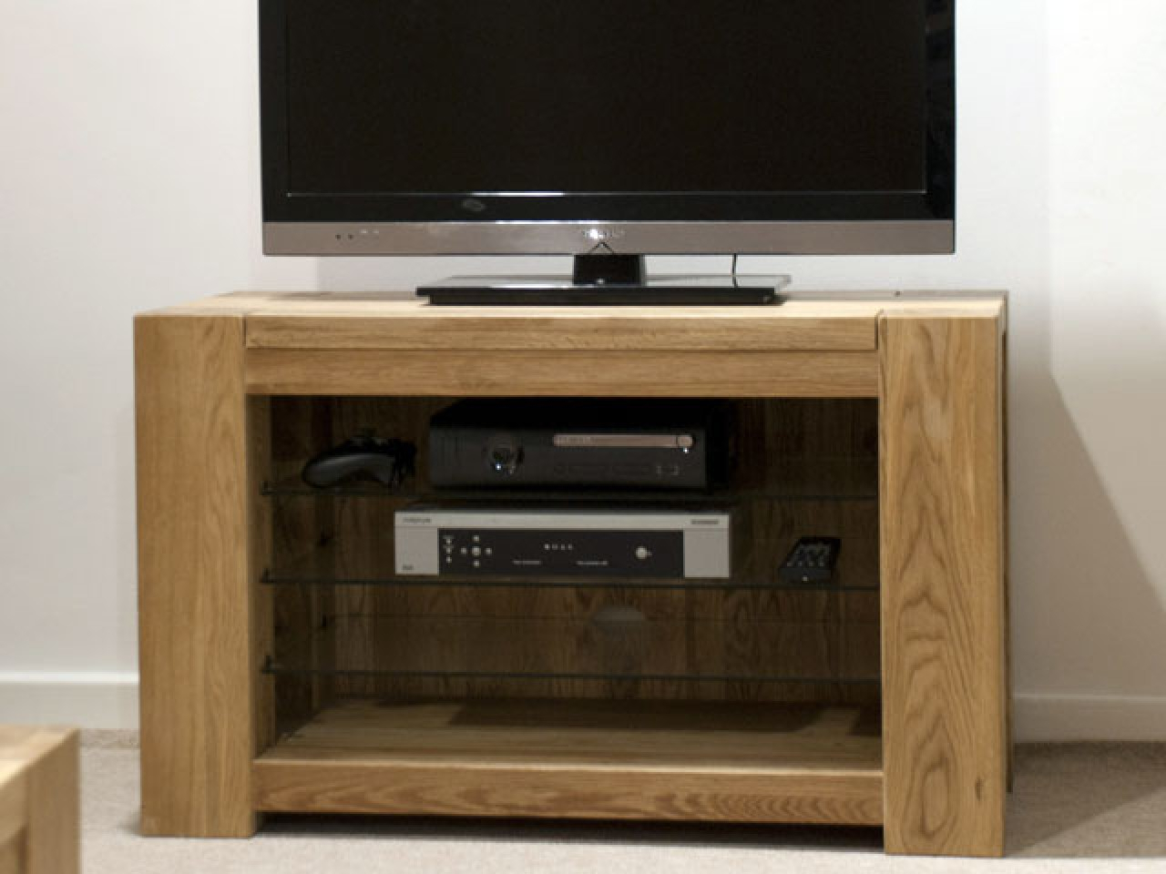 Preferred Manly Vancouver Oak Large Tv Stand Up To Including Free Delivery Within Chunky Oak Tv Units (Gallery 5 of 20)