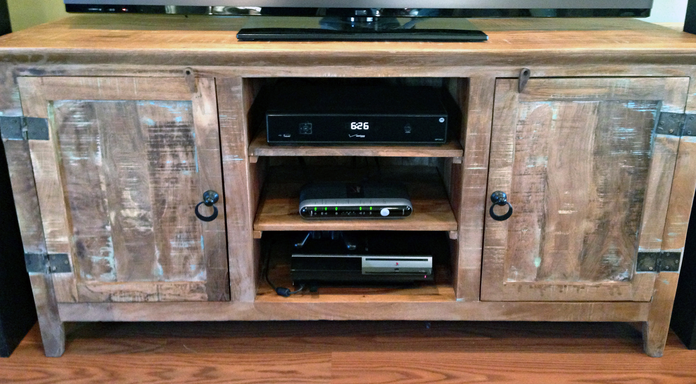 Recycled Wood Tv Stands With Most Recent 35 Supurb Reclaimed Wood Tv Stands & Media Consoles (Gallery 7 of 20)