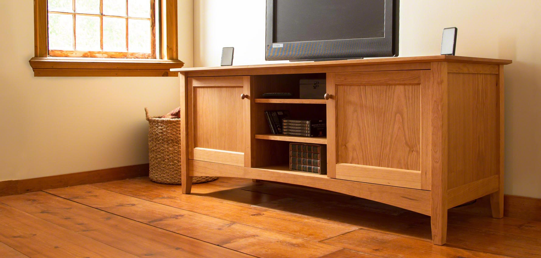 Trendy Wood Tv Floor Stands Intended For Handcrafted Wood Tv Stands & Media Consoles – Vermont Woods Studios (View 12 of 20)