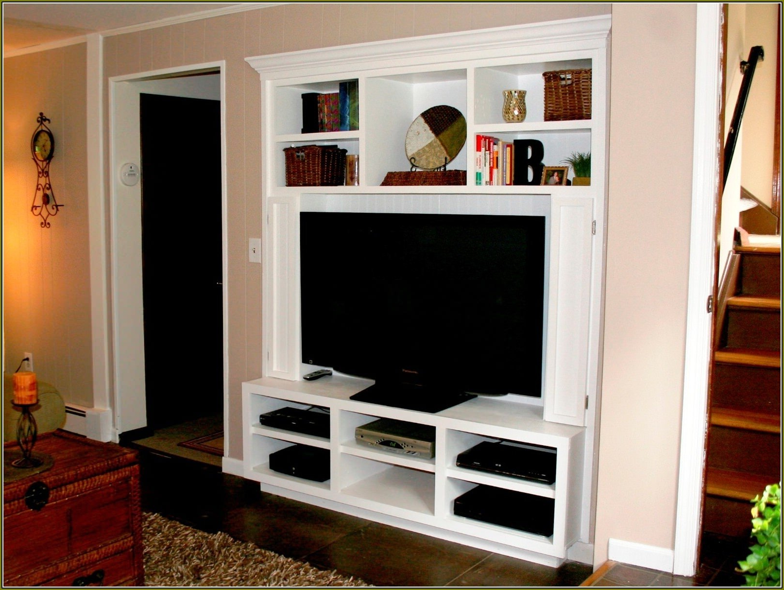 Wall Mounted Tv Cabinets For Flat Screens With Doors With Regard To 2017 Wall Mounted Tv Cabinets For Flat Screens — Allin The Details : Tips (View 2 of 20)