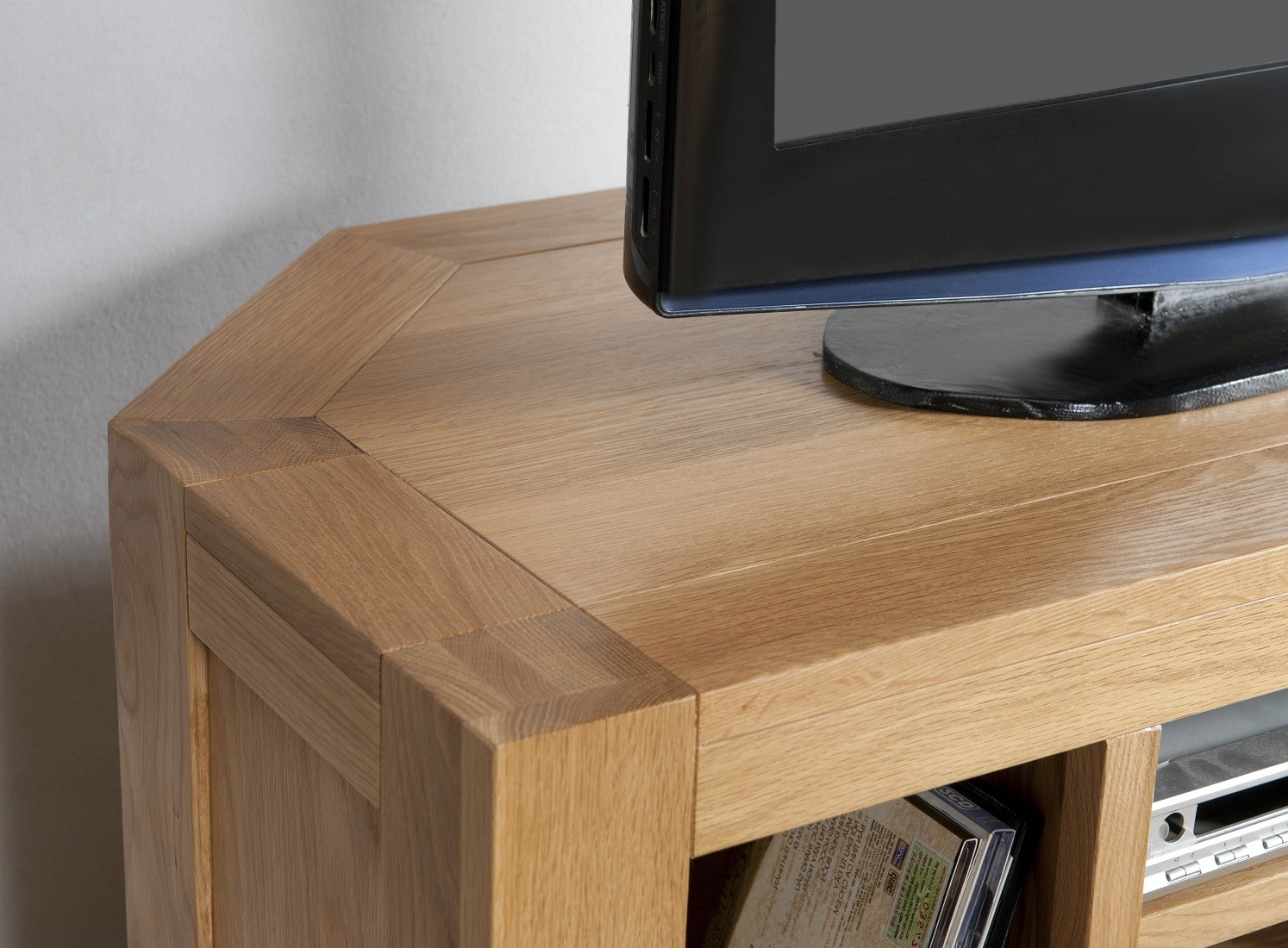 Well Known Aylesbury Contemporary Light Oak Corner Tv Unit (View 15 of 20)