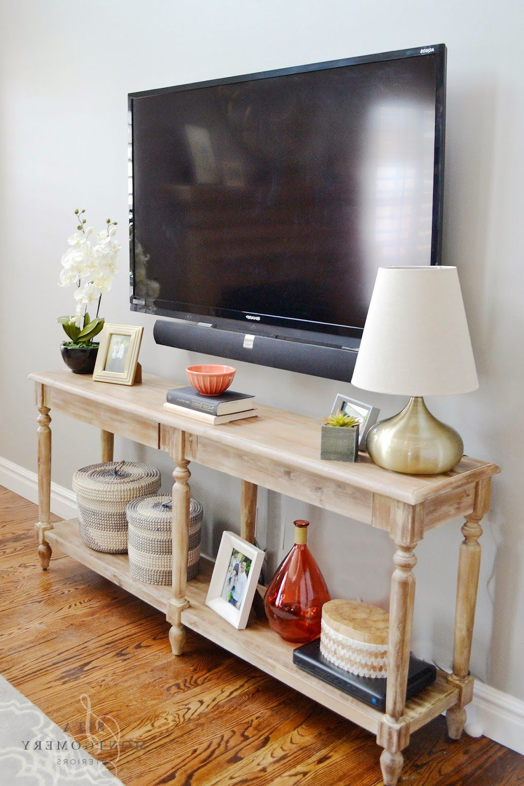Well Known Console Tables Under Wall Mounted Tv Within I Like The Use Of This Console Table As The Tv Stand (View 6 of 20)