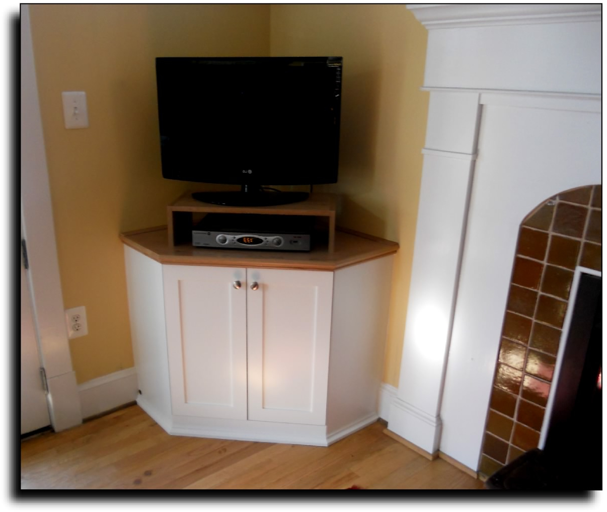Wikipedia4U In Corner Tv Cabinets With Hutch (Gallery 10 of 20)