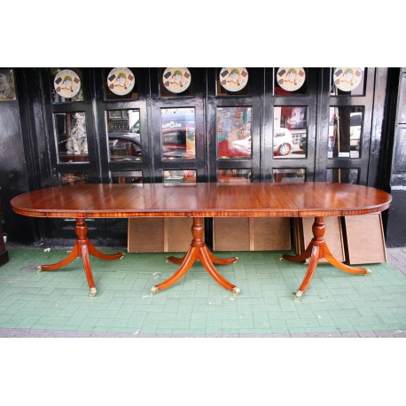 Old Regency 3 Pedestals Dining Table – London Gallery – Canapés Et Sofas Throughout Well Known Lonon 3 Piece Dining Sets (View 17 of 20)