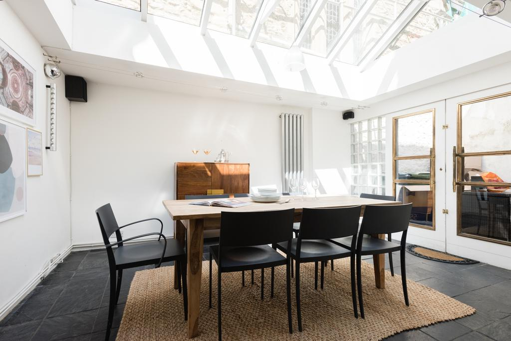 Well Known The Saint Giles Haunt – Bright 3Bdr Townhouse, Oxford – Updated 2019 Pertaining To Giles 3 Piece Dining Sets (View 17 of 20)
