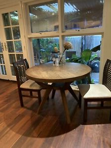 Dining Tables (View 18 of 25)