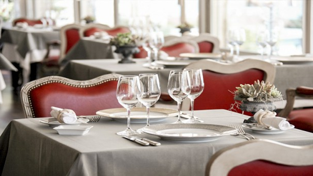 Famous La Table D'edgard In Lausanne – Restaurant Reviews, Menu Within Tudor City 28'' Dining Tables (View 17 of 25)