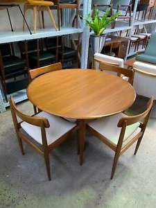 Gorla 39'' Dining Tables Pertaining To Preferred Mid Century Modern Parker Circular Extension Dining Table (View 25 of 25)