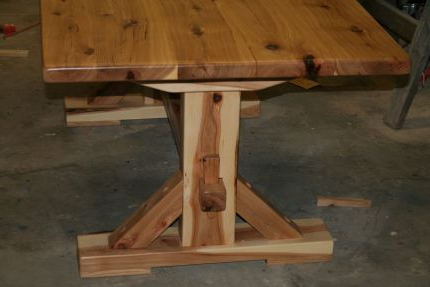 Hickory Trestle Dinning Table – Reader's Gallery – Fine Regarding Preferred Minerva 36'' Pine Solid Wood Trestle Dining Tables (View 19 of 25)