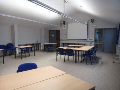 """Mode 72"""" L Breakroom Tables For Most Up To Date Salle Académique De Droit — Université De Namur (View 5 of 25)"""