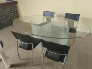 Nick Scali Oval Glass Dining Table 6 Seater 4 Free Leather Regarding Most Popular Adejah 35'' Dining Tables (View 18 of 25)