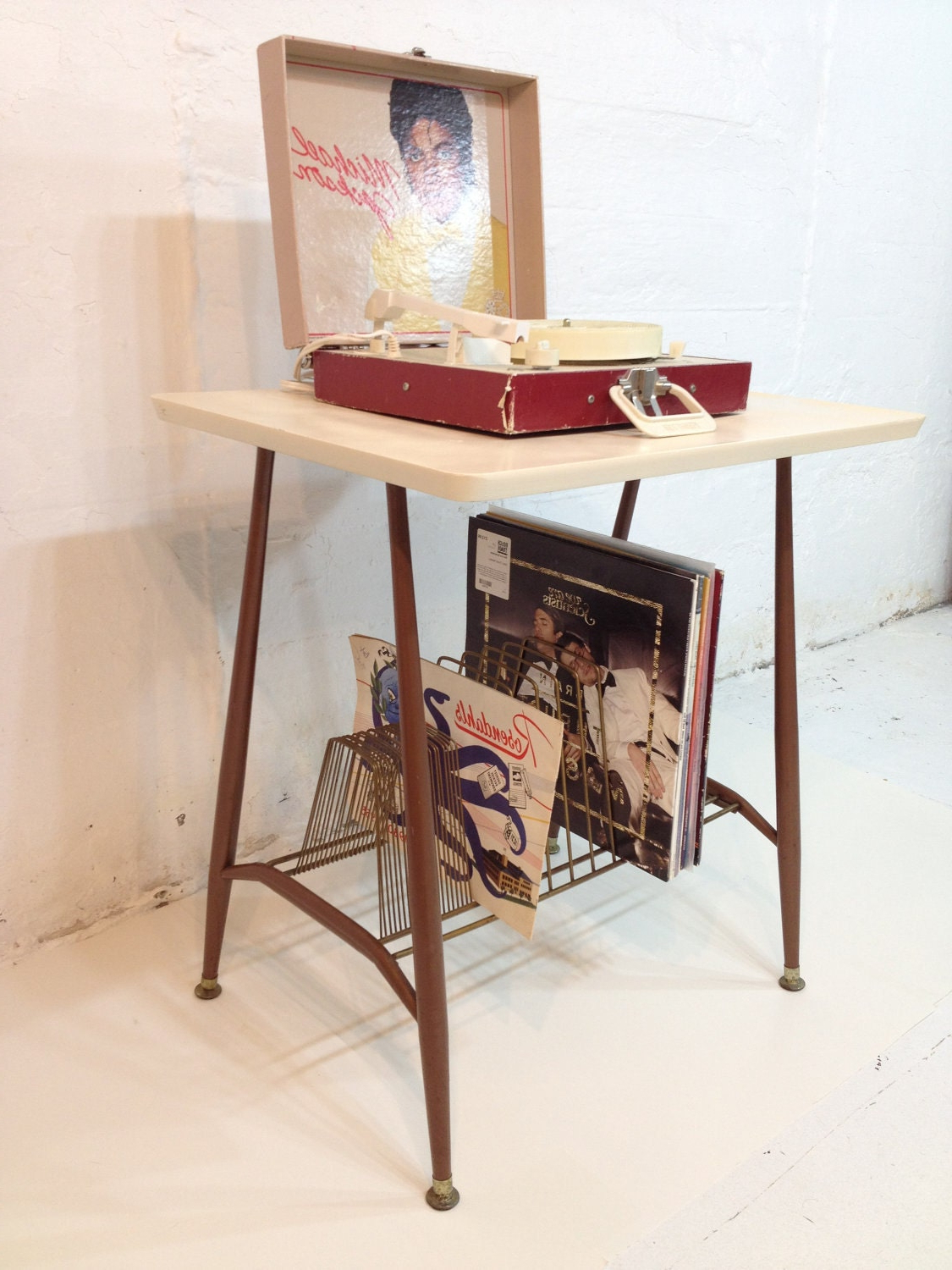 Bergen Tv Stands Throughout Latest Record Player Stand Mid Century Modern Tv Table Metal Brown (View 22 of 25)