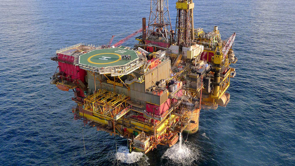 Biggest Ever Oil Platform Break Up: In Numbers – Channel 4 With Widely Used Delta Large Tv Stands (View 8 of 10)