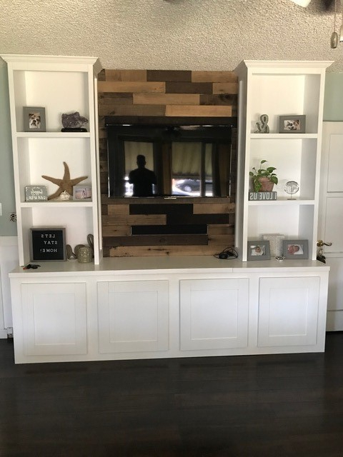 Famous Farmhouse Entertainment Center – Ryobi Nation Projects Intended For Farmhouse Woven Paths Glass Door Tv Stands (View 9 of 10)