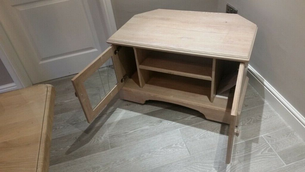 Limed Oak Effect Tv Stand Good Condition (View 17 of 25)