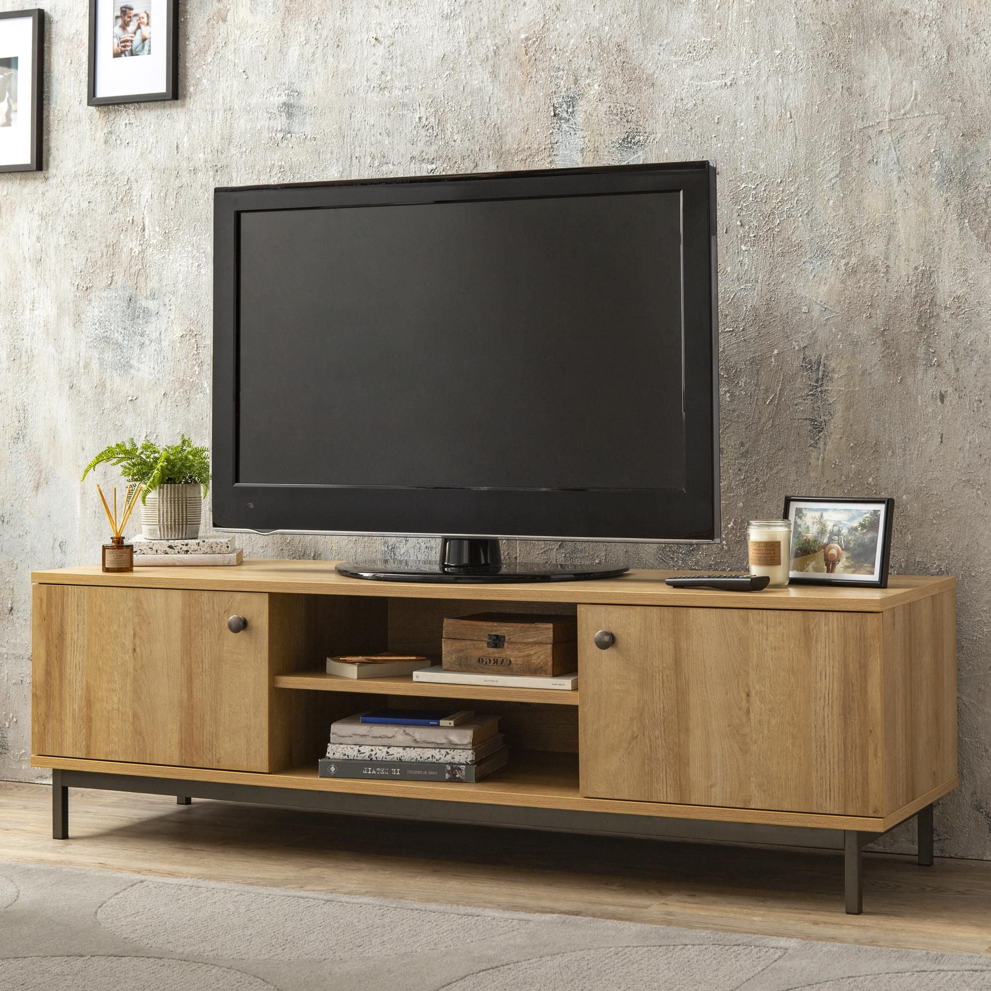 Living Room Tv With Regard To Current Fulton Tv Stands (View 7 of 10)