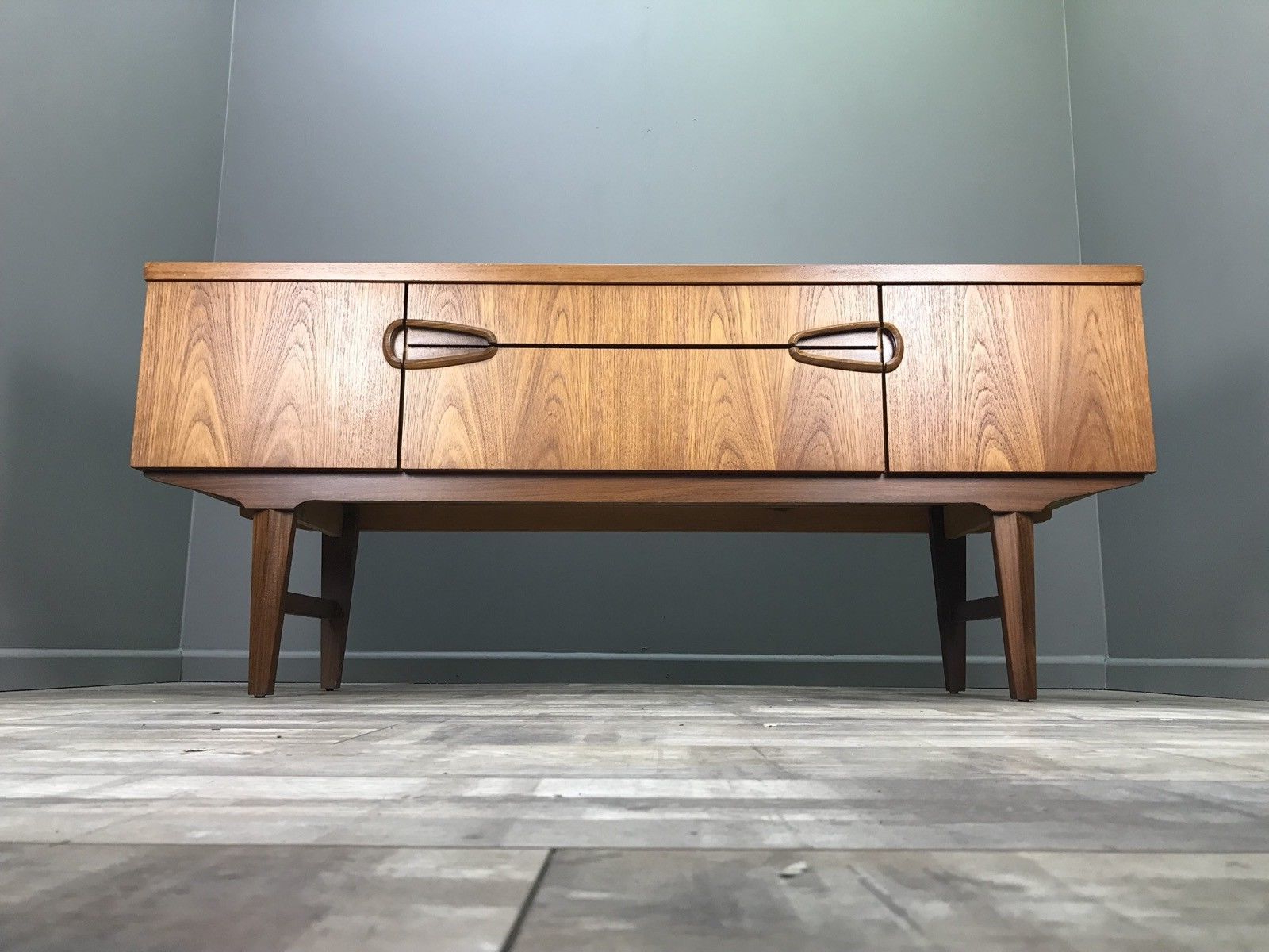 Most Recently Released Owen Retro Tv Unit Stands Regarding Nice Retro Sideboard Perfect For Tv Stand Hifi Table (View 8 of 25)
