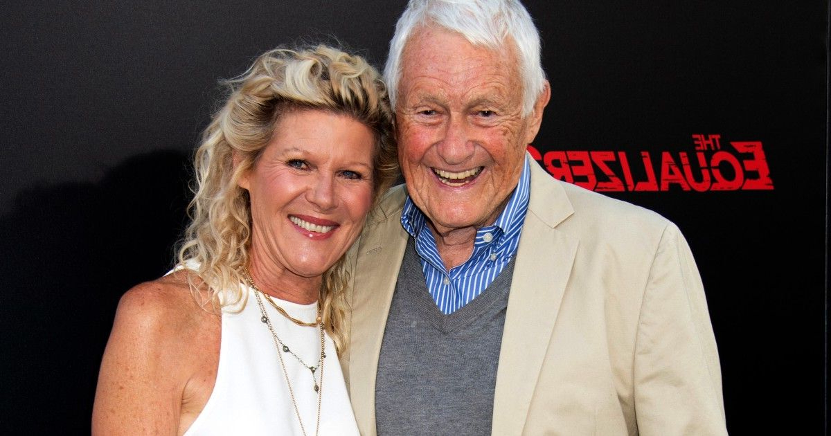 Orsen Tv Stands Inside 2017 Actor Orson Bean, Local Theater Mainstay Who Rose To Fame (View 7 of 25)