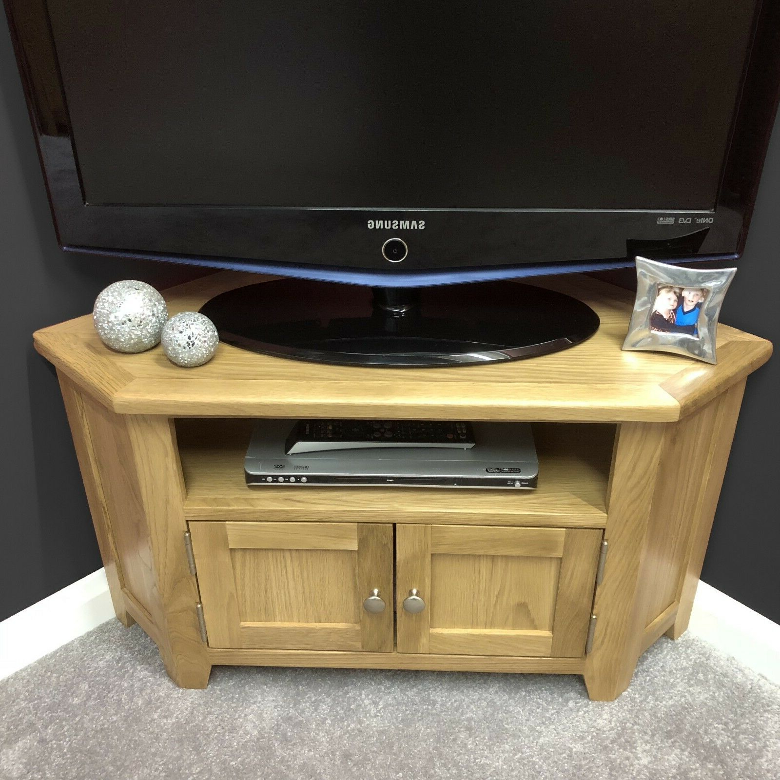 Sidmouth Oak Corner Tv Stands Within Preferred Oak Corner Tv Stand With Doors / Solid Wood Television (View 5 of 10)