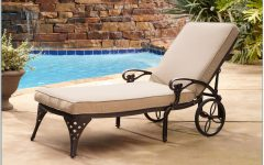 Chaise Lounge Chairs for Poolside